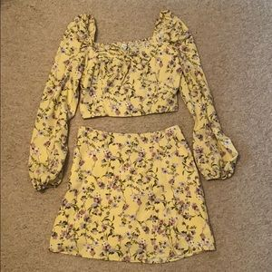 NWT Boutique yellow flower print set